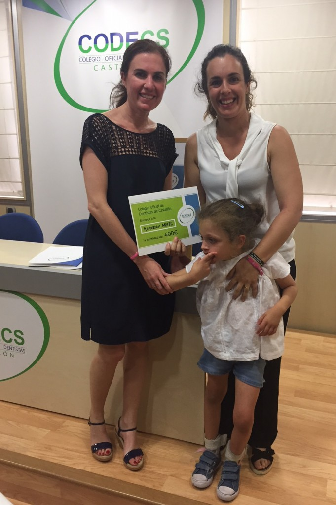Inés Royo, del CODECS, junto a Amanda Pedrajas (Asociación MEF2C) y su hija Celia.