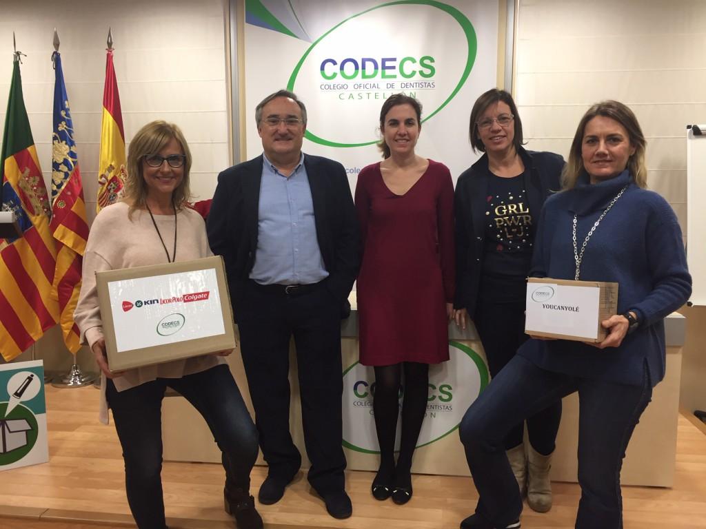 Victorino Aparici, Inés Royo y Salomé García -centro- con Ana Adsuara y Elisabeth Doñate, de la ONGD Youcanyolé.