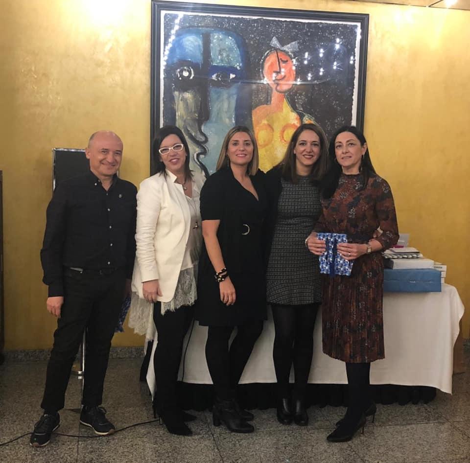 Entrega de las insignias de plata a los colegiados Fernando Ramos e Isabel Cadroy por sus 25 años de colegiación en el CODECS.